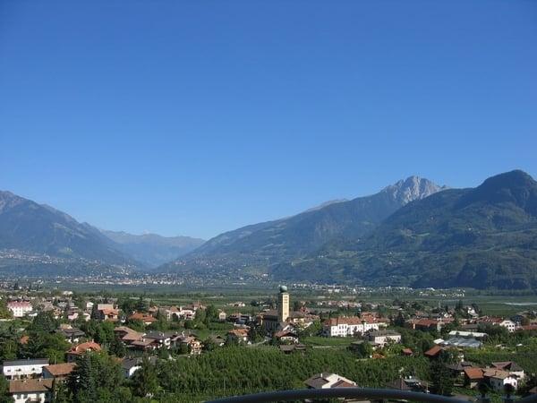Urlaub in den alpen alpenf hrer alpine hotels hotels for Hotel in lana sudtirol